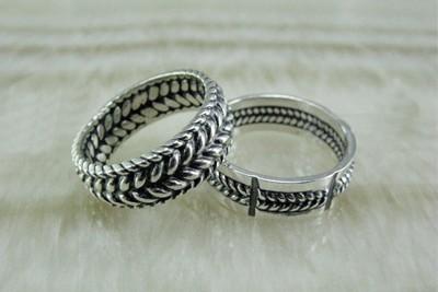 Как правильно ухаживать за серебряными кольцами?